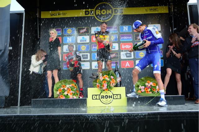 9-gilbert-podium