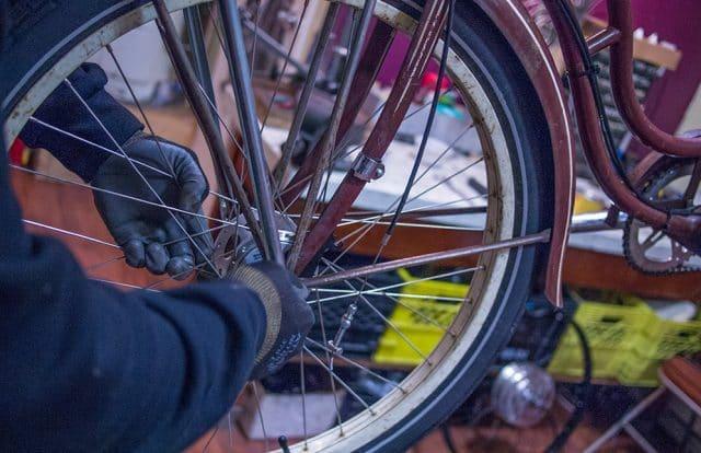 bike-maintenance-wheel