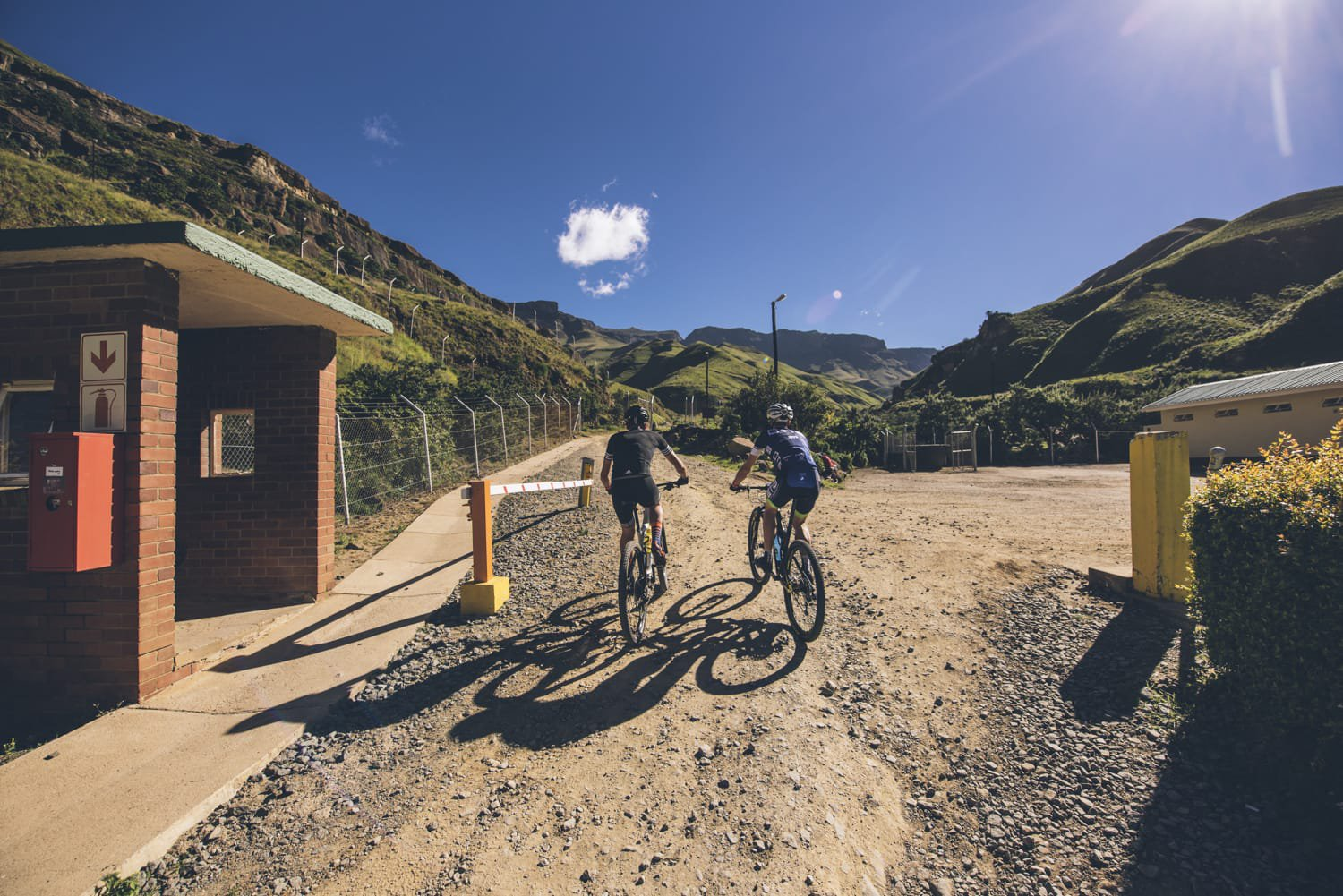 sani-pass-desmond-louw-bicycling-magazine-wowrides-0040