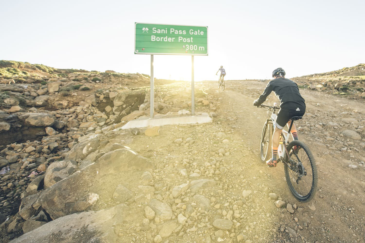 sani-pass-desmond-louw-bicycling-magazine-wowrides-0084