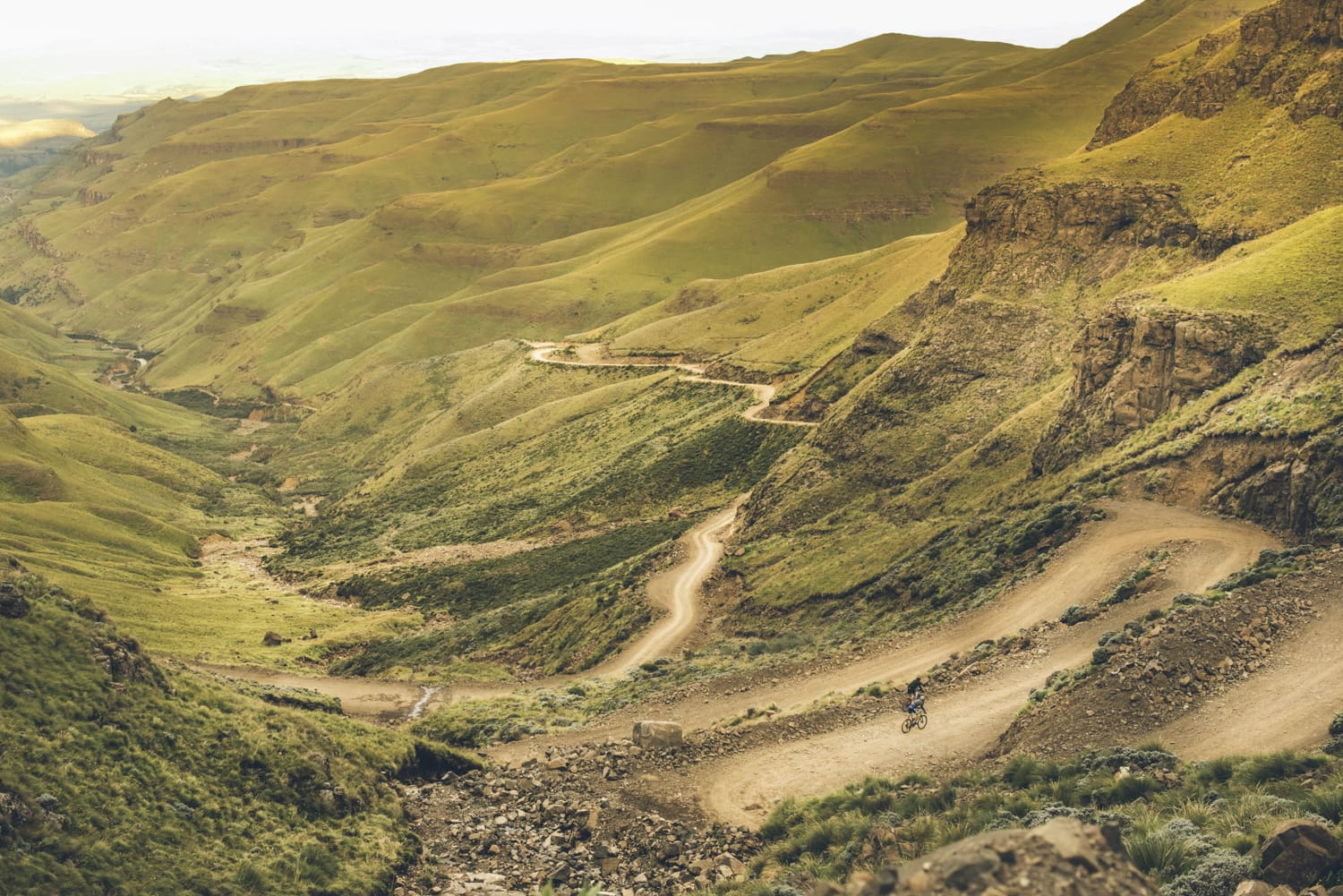 sani-pass-desmond-louw-bicycling-magazine-wowrides-0101