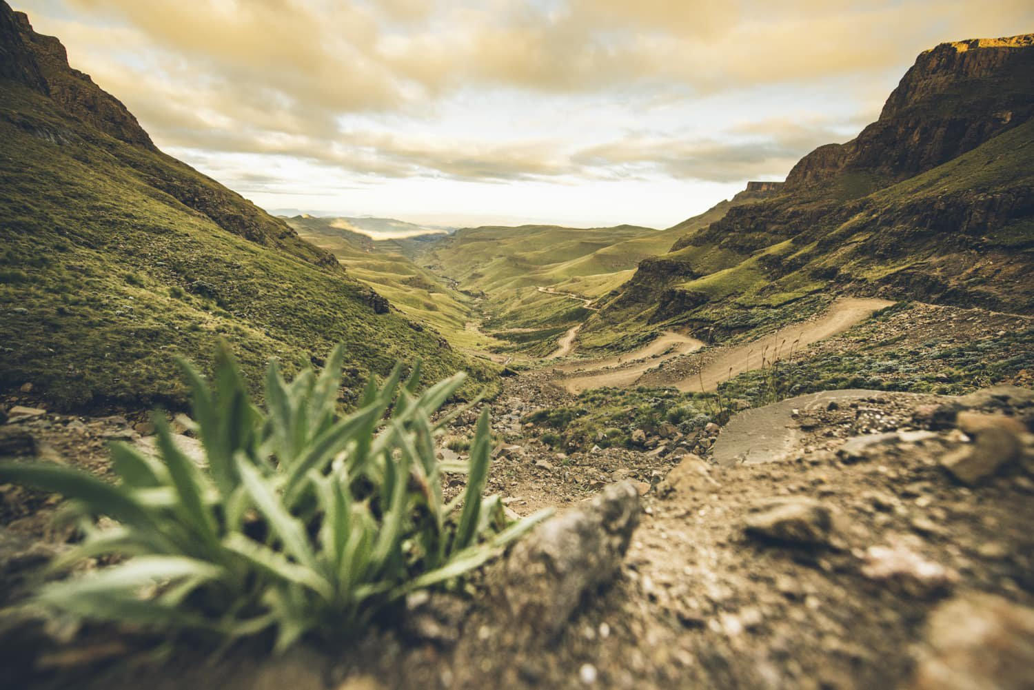 sani-pass-desmond-louw-bicycling-magazine-wowrides-0102