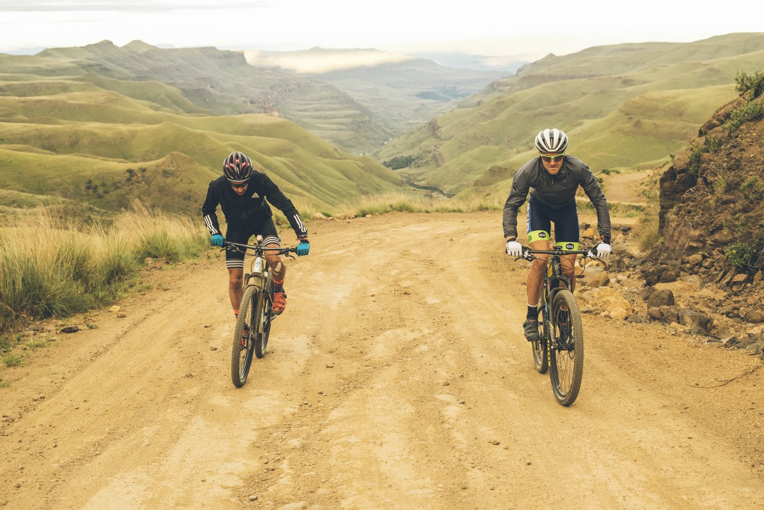 sani-pass-desmond-louw-bicycling-magazine-wowrides-0111