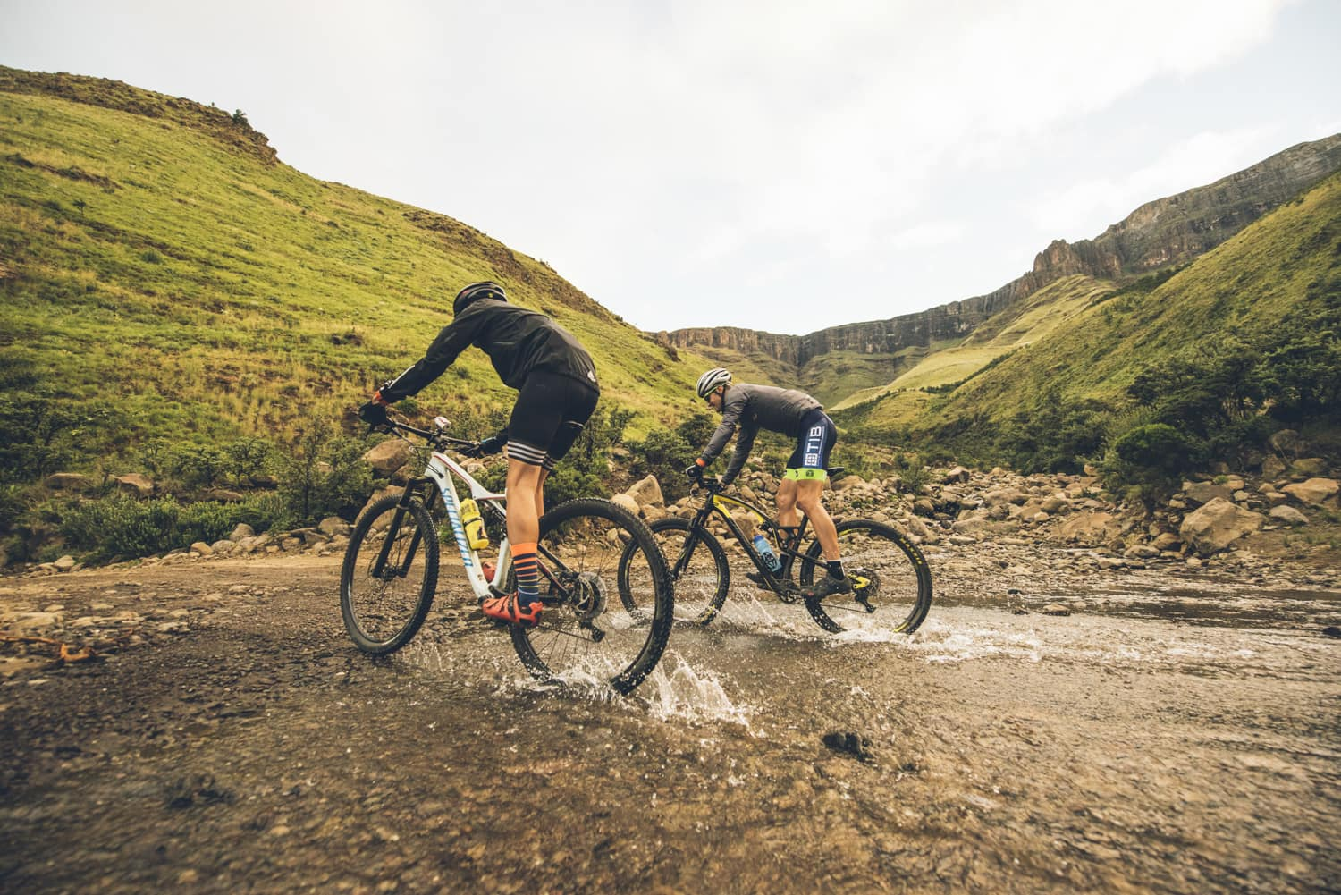 sani-pass-desmond-louw-bicycling-magazine-wowrides-0118