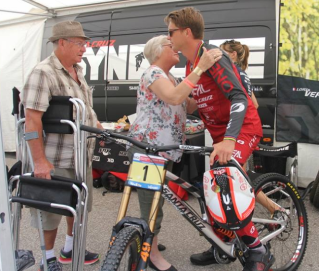 Greg with his parents before heading up to the start
