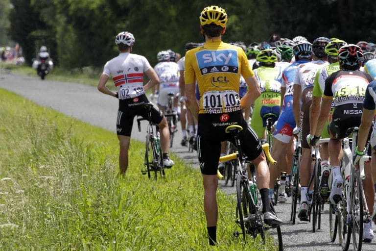 How Do Tour de France Riders Pee? - Bicycling
