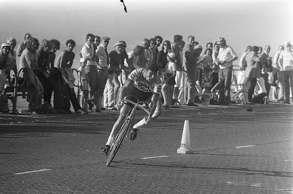 We Love Raymond Poulidor, the Tour's Greatest Loser - Bicycling