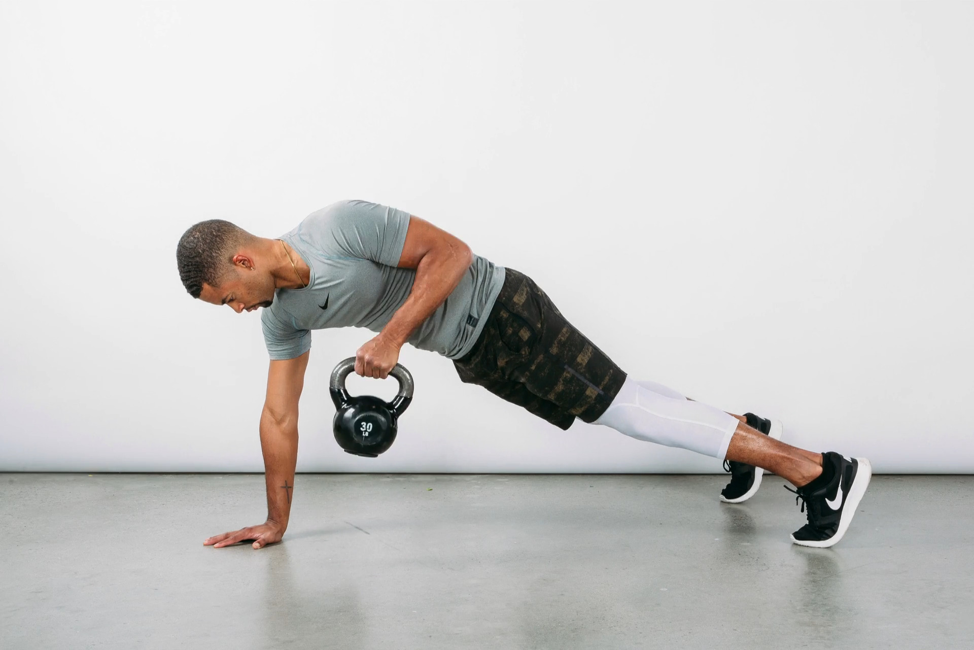 8 Kettlebell Moves To Fire Up Your Core Muscles!